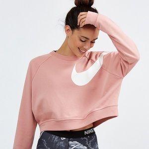 NWT Nike Dry Versa Crop sweatshirt.